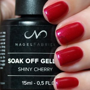 Soak Off Gellak Shiny Cherry 15 ml