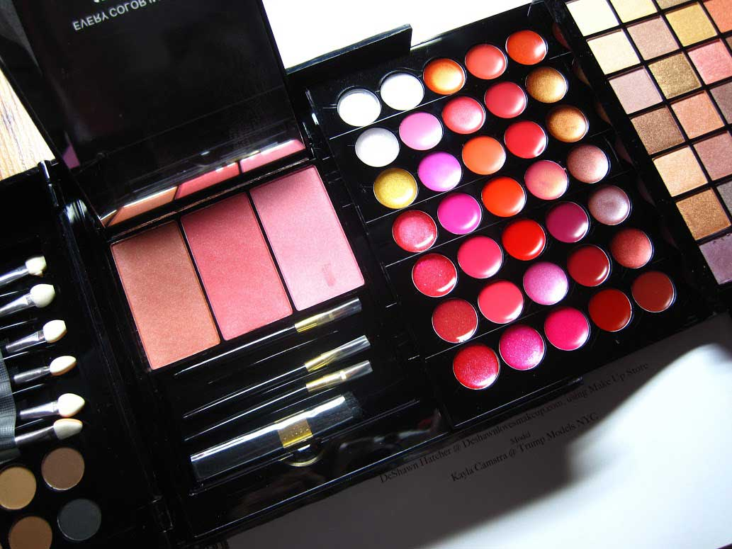 Make-up Treasurebox Deel 2 - Wenkbrauwpoeder, Blush & Lipgloss