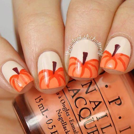 nail-art-pompoen