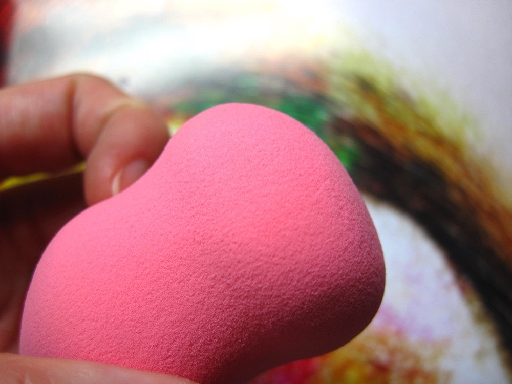 make-up-beauty-sponge