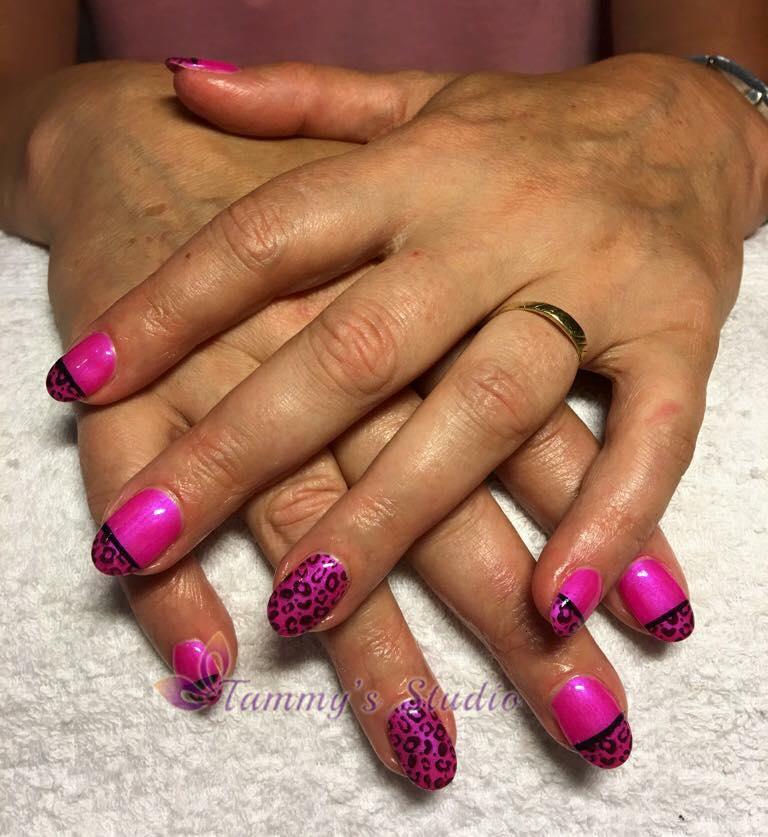 soak-off-neon-pink-met-panterprint