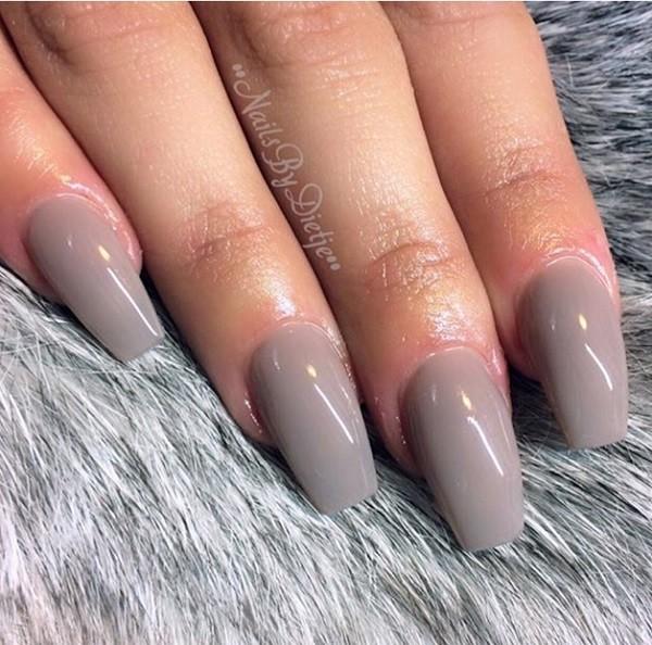medium lange nagels met Gellak Nudie